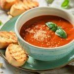 Die beliebtesten Suppen mit Stabmixer – wärmend im Winter, leicht im Sommer